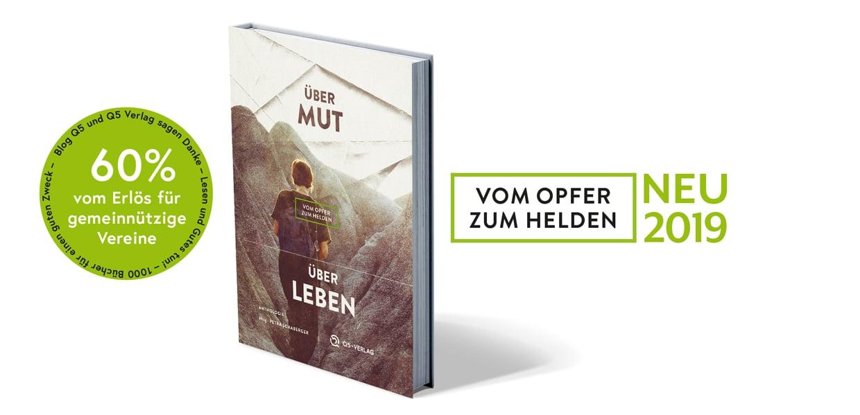[Bild: BookmockupUeberMutUeberLeben-03.jpg]